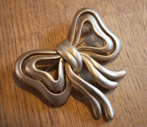 Gold bow brooch etsy